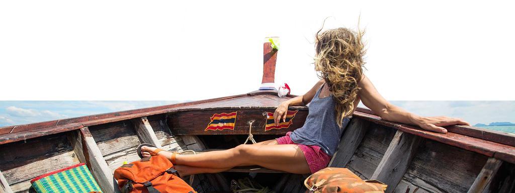 Werbekunde Marco Polo Frau entspannt in Boot